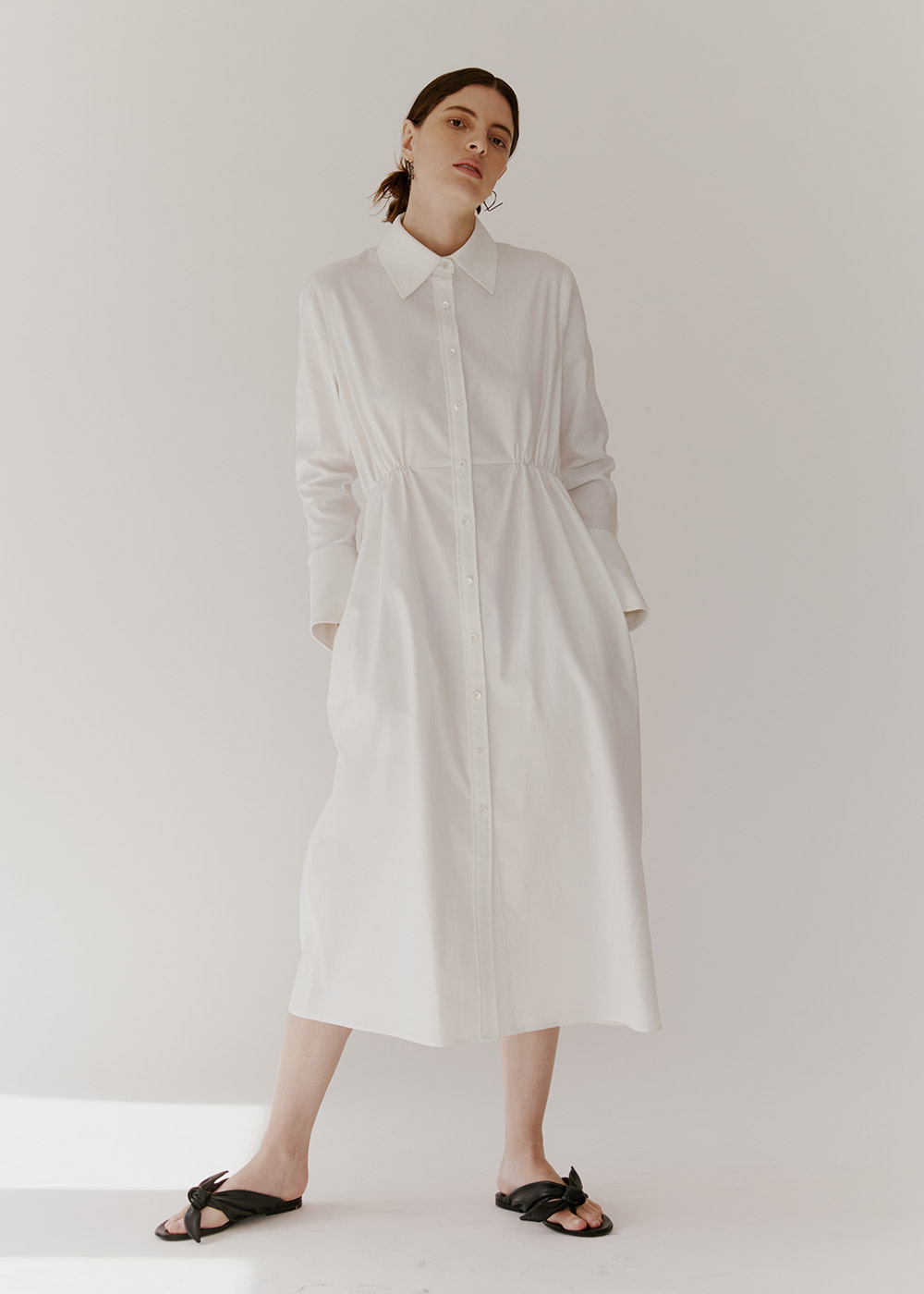 GATHERED-DETAIL SHIRT DRESS - WHITE
